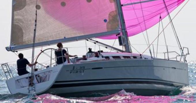 Location bateau Marina di Portisco pas cher First 35
