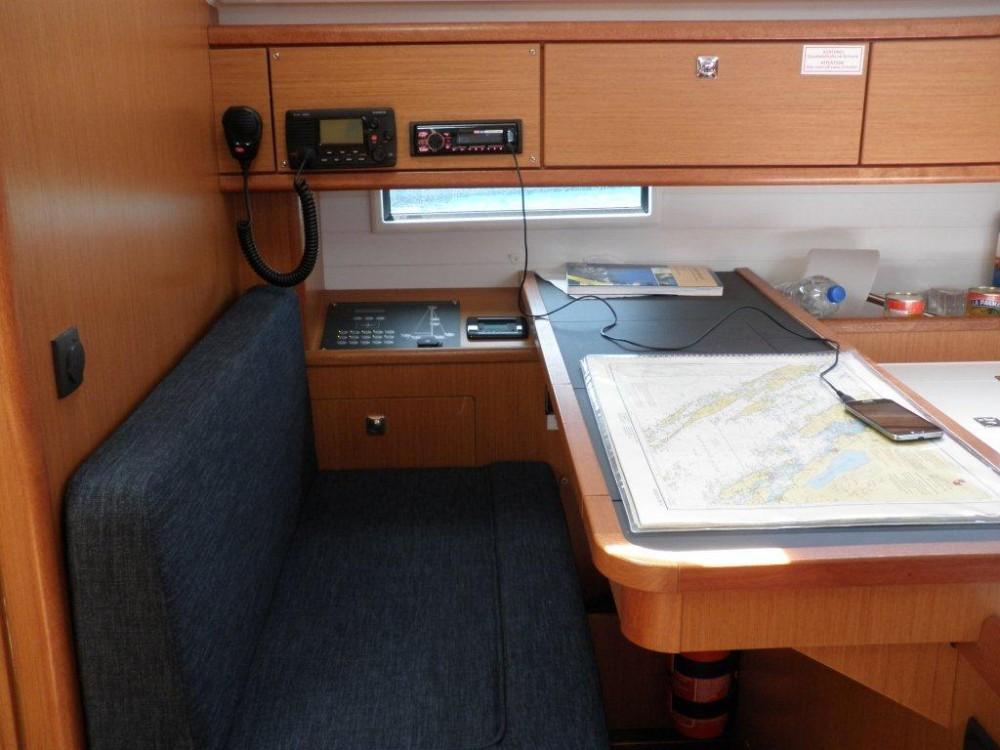 Louez un Bavaria Bavaria Cruiser 51 à Sukošan