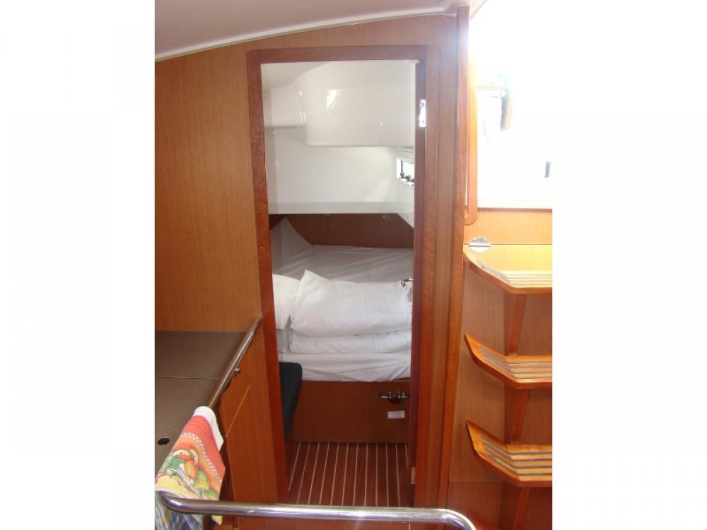Louez un Bavaria Bavaria Cruiser 36  à Sukošan