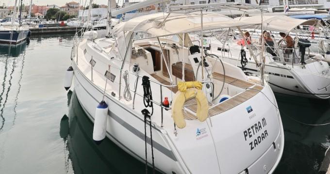 Louez un Bavaria Bavaria 36 Cruiser à Zadar
