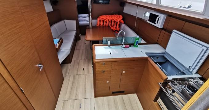 Jeanneau Sun Odyssey 389 entre particuliers et professionnel à Pirovac