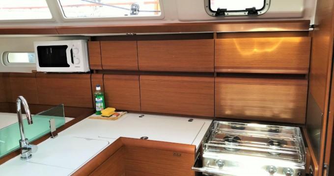 Location bateau Pirovac pas cher Sun Odyssey 389