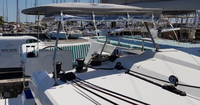 Location bateau Salamína pas cher Astrea 42