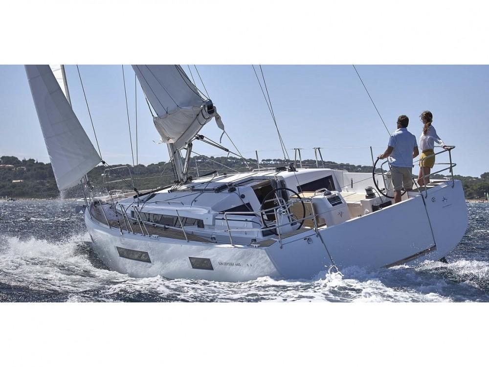 Location bateau Leucade pas cher Sun Odyssey 440