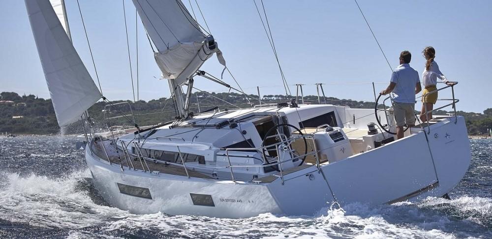 Location bateau Jeanneau Sun Odyssey 440 à Leucade sur Samboat