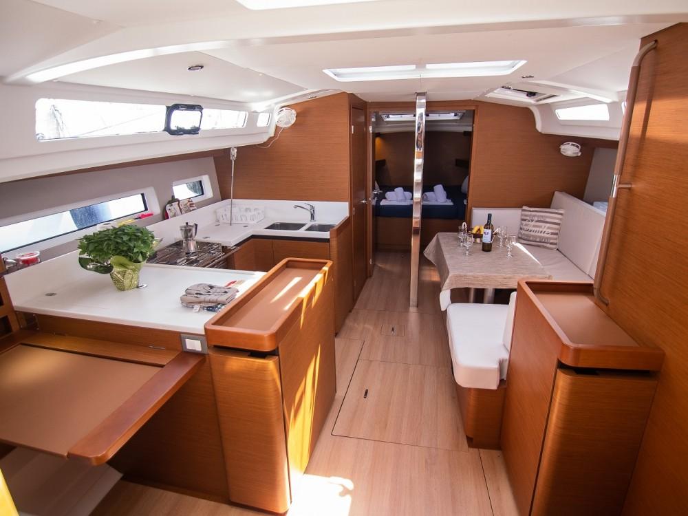 Louez un Jeanneau Sun Odyssey 440 à Leucade