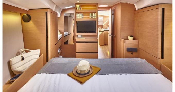 Louez un Jeanneau Sun Odyssey 490 à Port de Lefkada