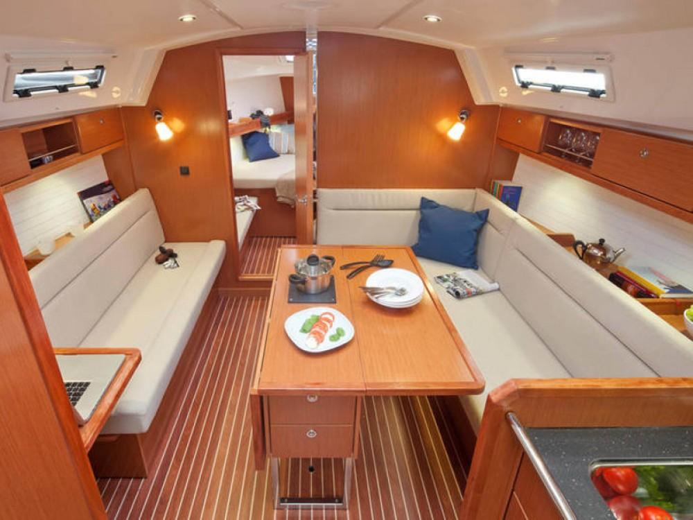 Louez un Bavaria Bavaria Cruiser 36  à