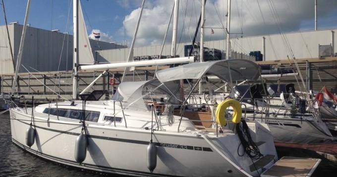 Louez un Bavaria Cruiser 33 à Lemmer