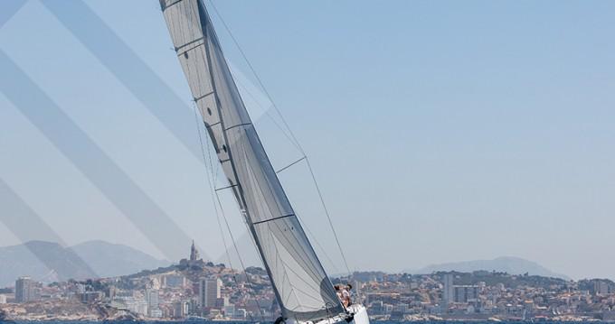 Location bateau Marseille pas cher Pogo 30