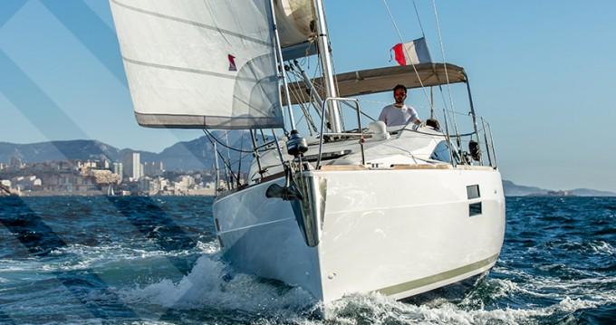 Louer Voilier avec ou sans skipper Elan à Marseille