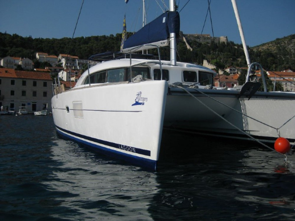 Louez un Lagoon Lagoon 380 S2 Premium à Sibenik