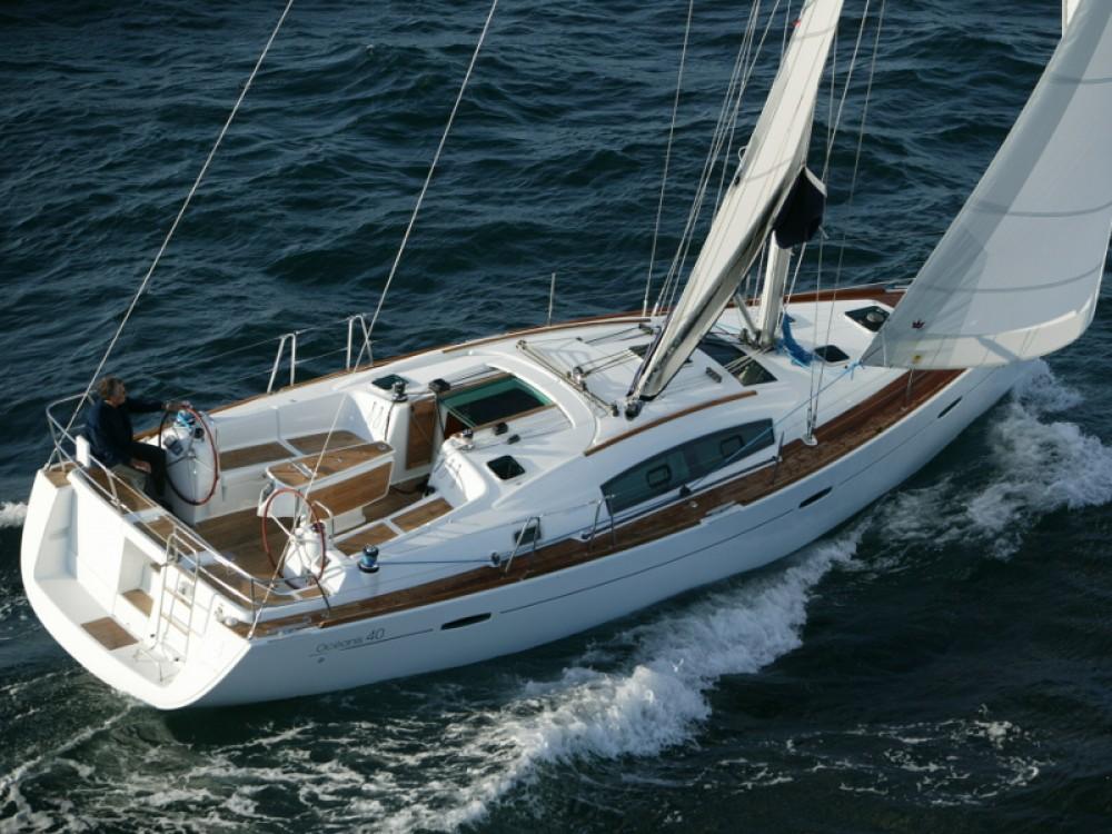 Location bateau Leucade pas cher Oceanis 40