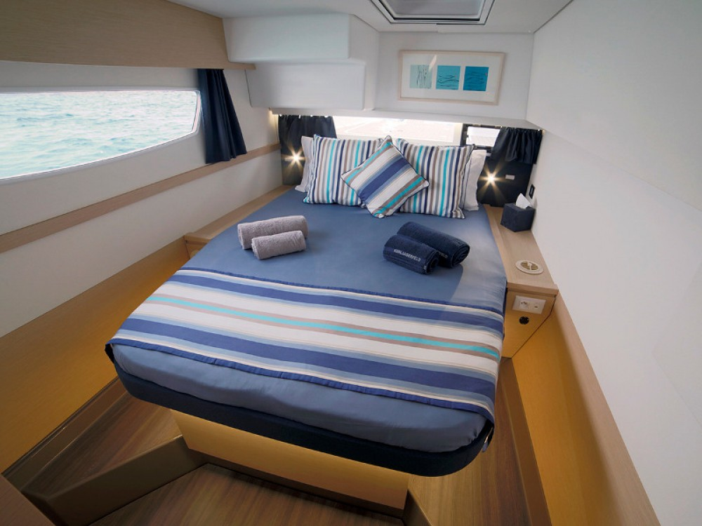 Louer Catamaran avec ou sans skipper Fountaine Pajot à Lávrio