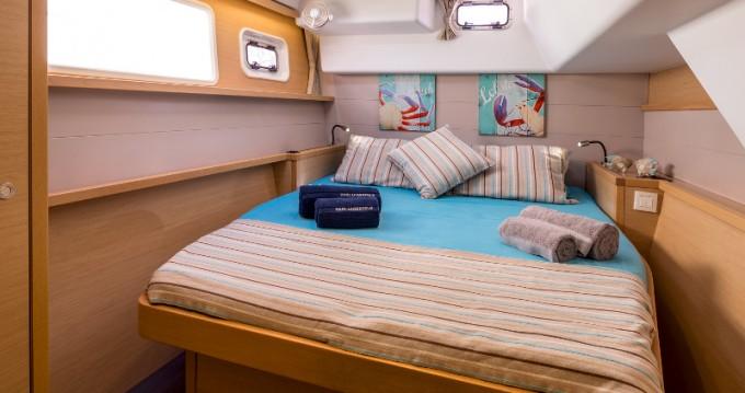 Location bateau Santorini Port pas cher Lagoon 450