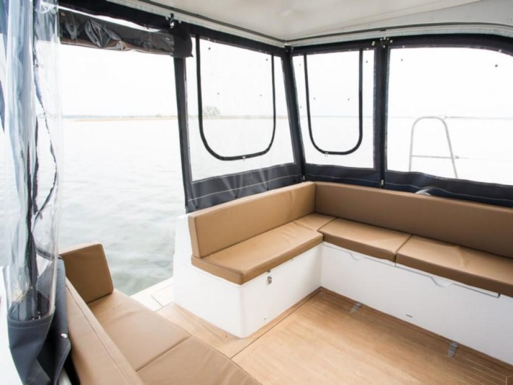 Louer Bateau à moteur avec ou sans skipper Represser à Wilkasy