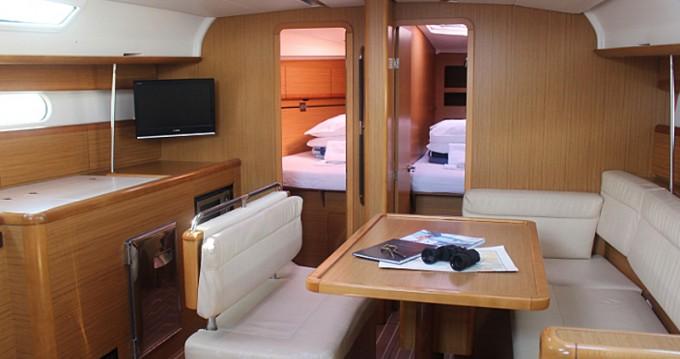 Location bateau Jeanneau Sun Odyssey 44i à Betina sur Samboat