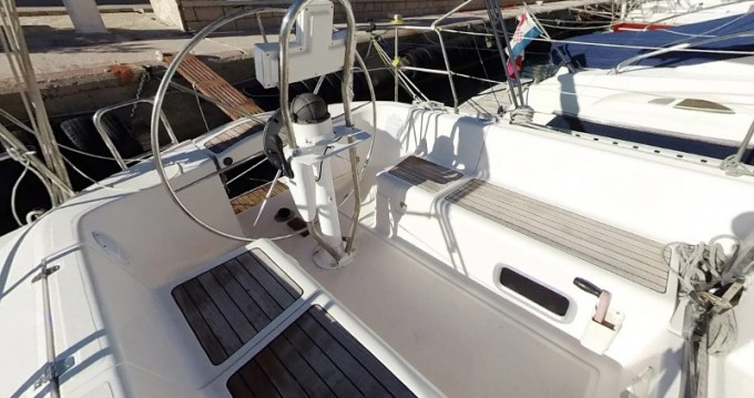 Location bateau Elan Elan 333 à Betina sur Samboat