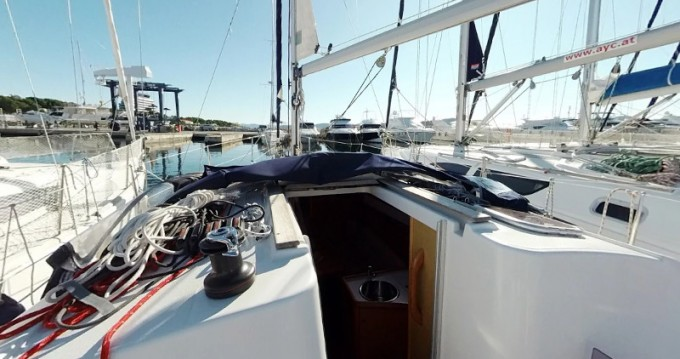 Location bateau Jeanneau Sun Odyssey 30i à Betina sur Samboat