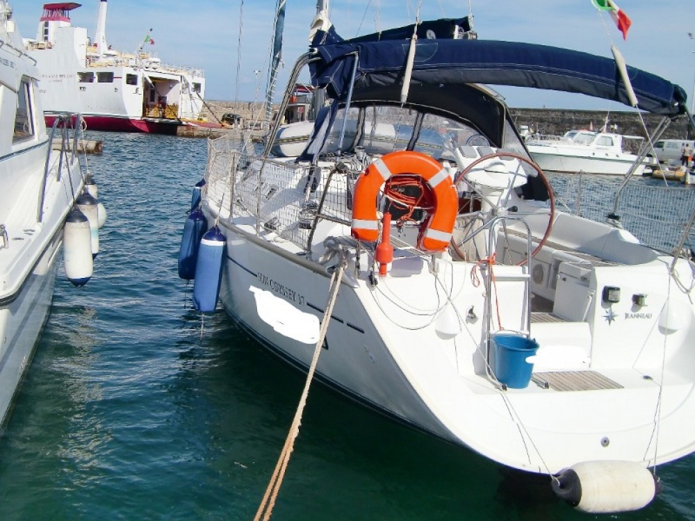 Louer Voilier avec ou sans skipper Jeanneau à Gallipoli