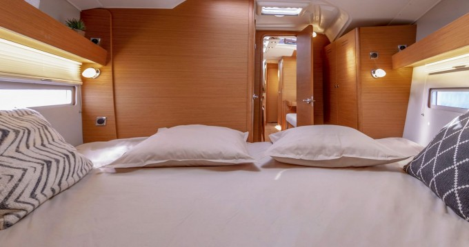 Location yacht à Marina di Portisco - Dufour Dufour 390 Grand Large sur SamBoat