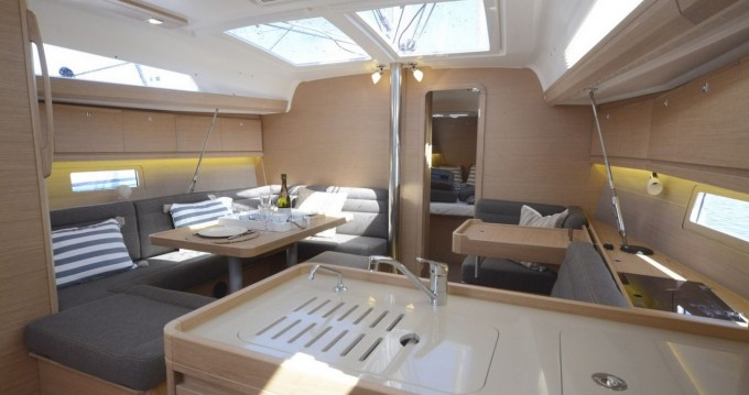 Location yacht à Marina di Portisco - Dufour Dufour 412 Grand Large sur SamBoat