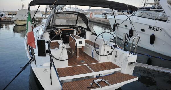 Location bateau Dufour Dufour 350 Grand Large à Marina di Portisco sur Samboat