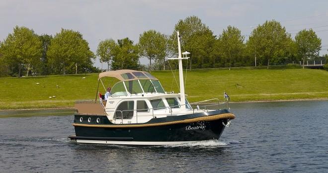 Louer Bateau à moteur avec ou sans skipper Linssen à