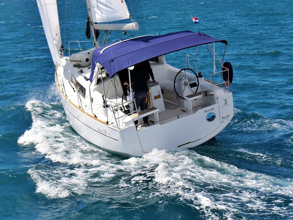 Location bateau  pas cher OCEANIS 38.1 BT