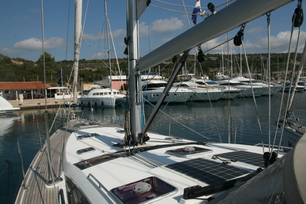 Location bateau Skradin pas cher Jeanneau 53 (4cab)