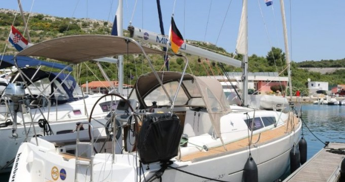 Location yacht à Trogir - Jeanneau Sun Odyssey 33i sur SamBoat