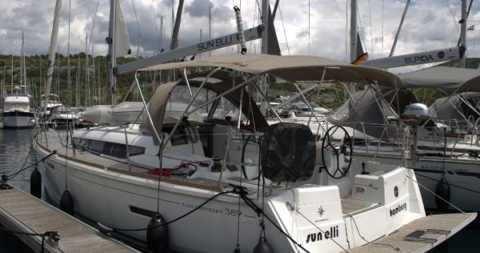 Louez un Jeanneau Sun Odyssey 389 à Trogir