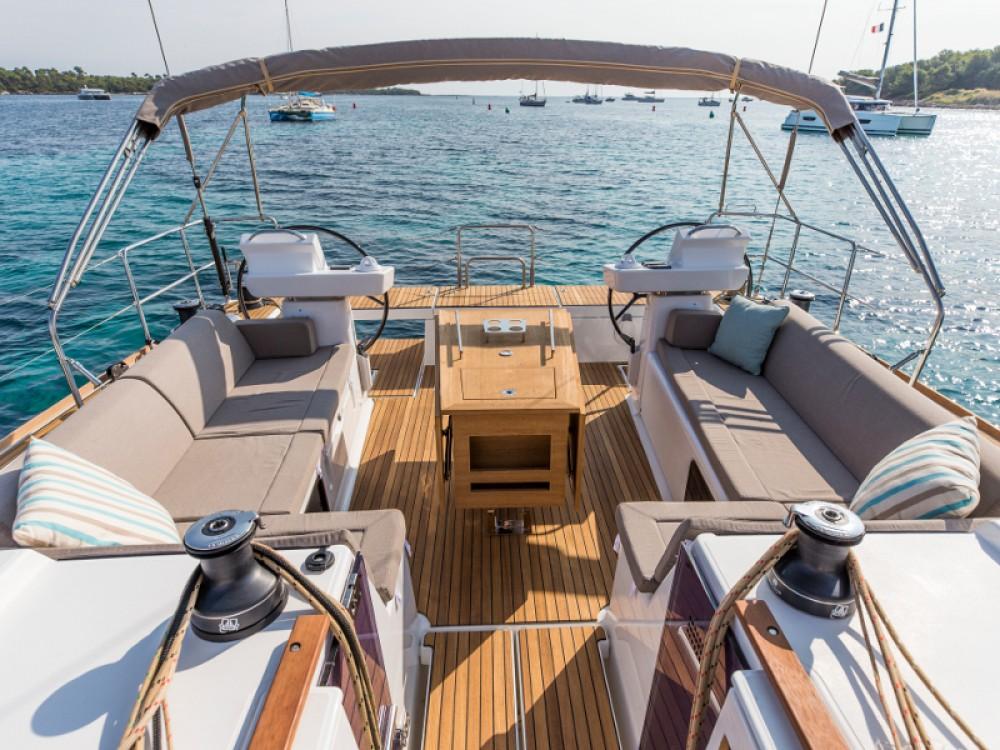 Location bateau Primošten pas cher Dufour 520 GL