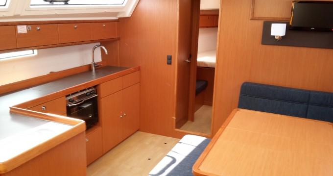 Location bateau Bavaria Bavaria Cruiser46 à Veruda sur Samboat