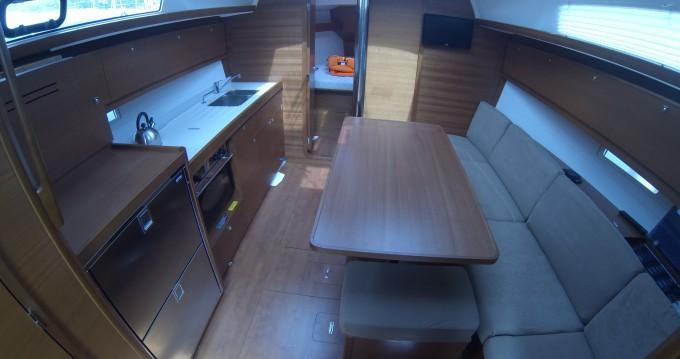 Location bateau Dubrovnik pas cher Dufour 382 Grand Large