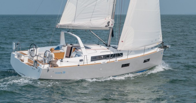 Location bateau Veruda pas cher Oceanis 38.1