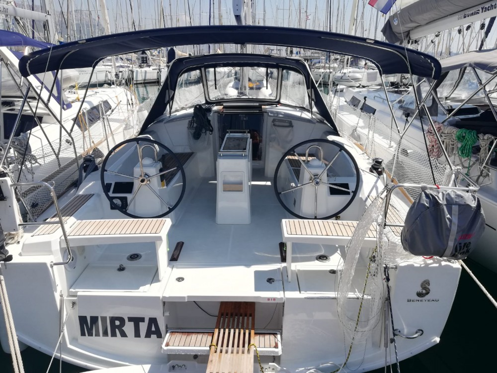 Location bateau Kaštel Gomilica pas cher Oceanis 38.1