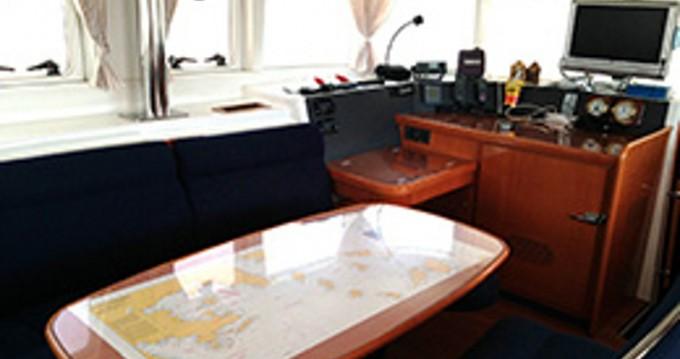 Location bateau Álimos pas cher Lagoon 440