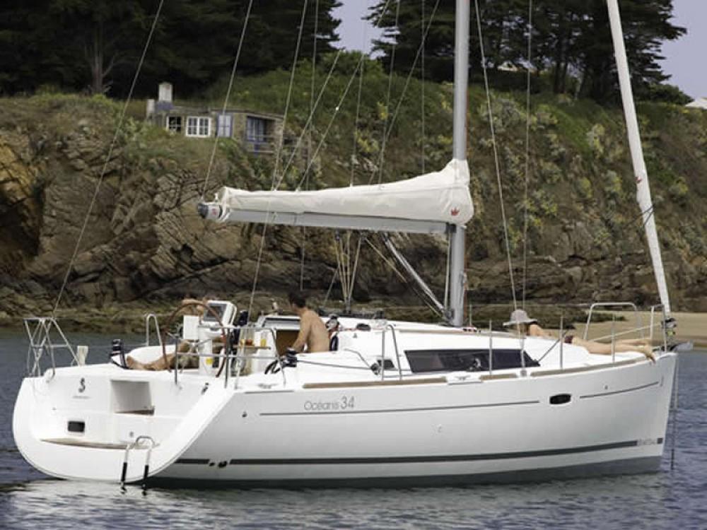 Location bateau Lefkada pas cher Oceanis 34
