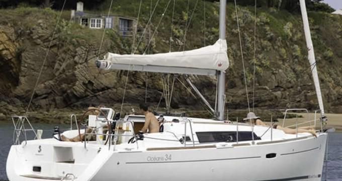 Bénéteau Oceanis 34 entre particuliers et professionnel à Port de Lefkada