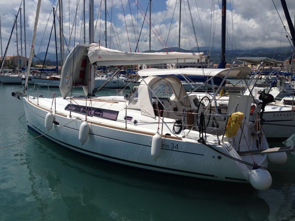 Bénéteau Oceanis 34 entre particuliers et professionnel à Lefkada