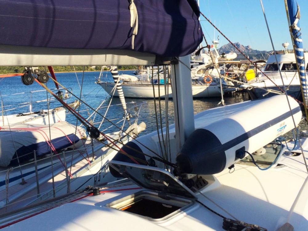 Louer Voilier avec ou sans skipper Jeanneau à Alzachèna/Arzachena