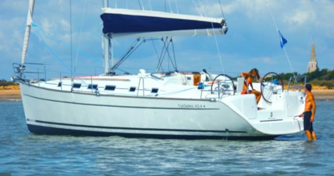 Location bateau Bénéteau Cyclades 43.4 à Nettuno sur Samboat