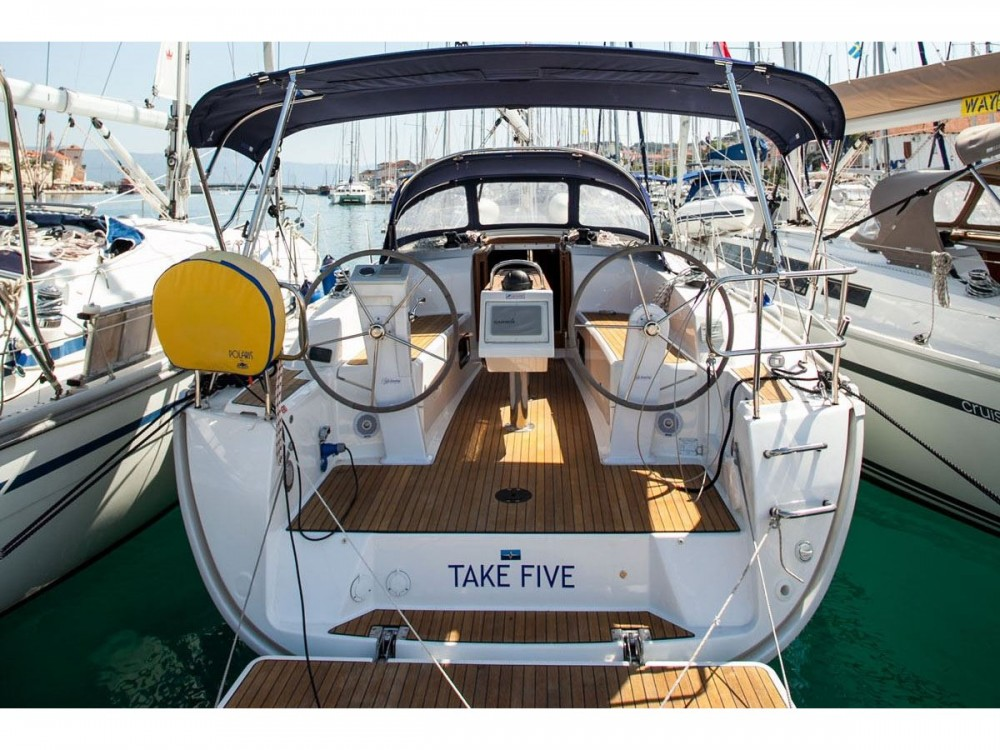 Louez un Bavaria Bavaria Cruiser 34 à Trogir