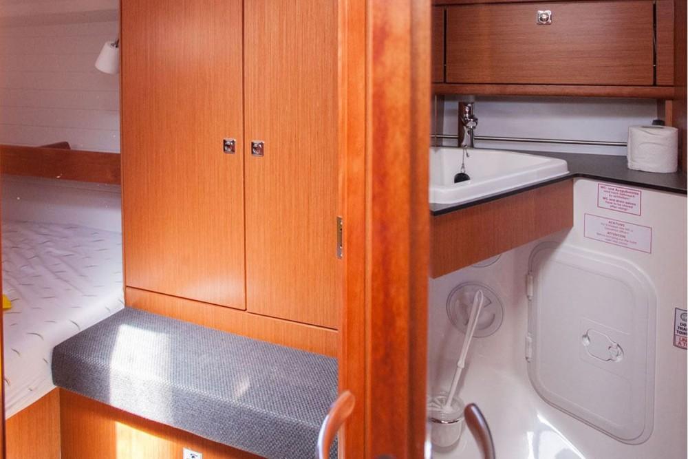 Location bateau Bavaria Bavaria Cruiser 34 à Trogir sur Samboat