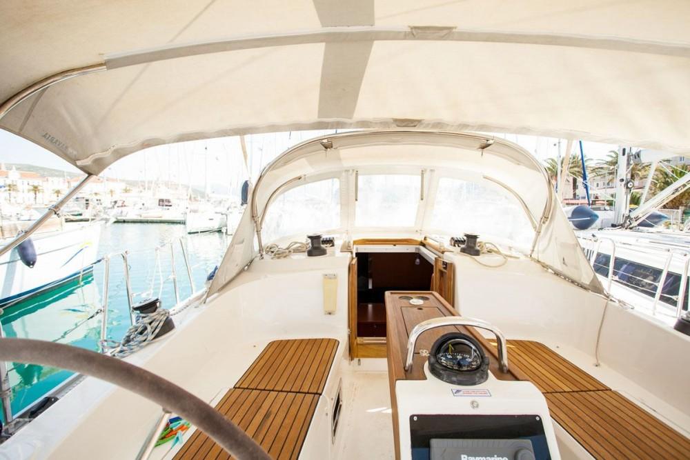 Location bateau Bavaria Bavaria Cruiser 37 à ACI Marina Dubrovnik sur Samboat