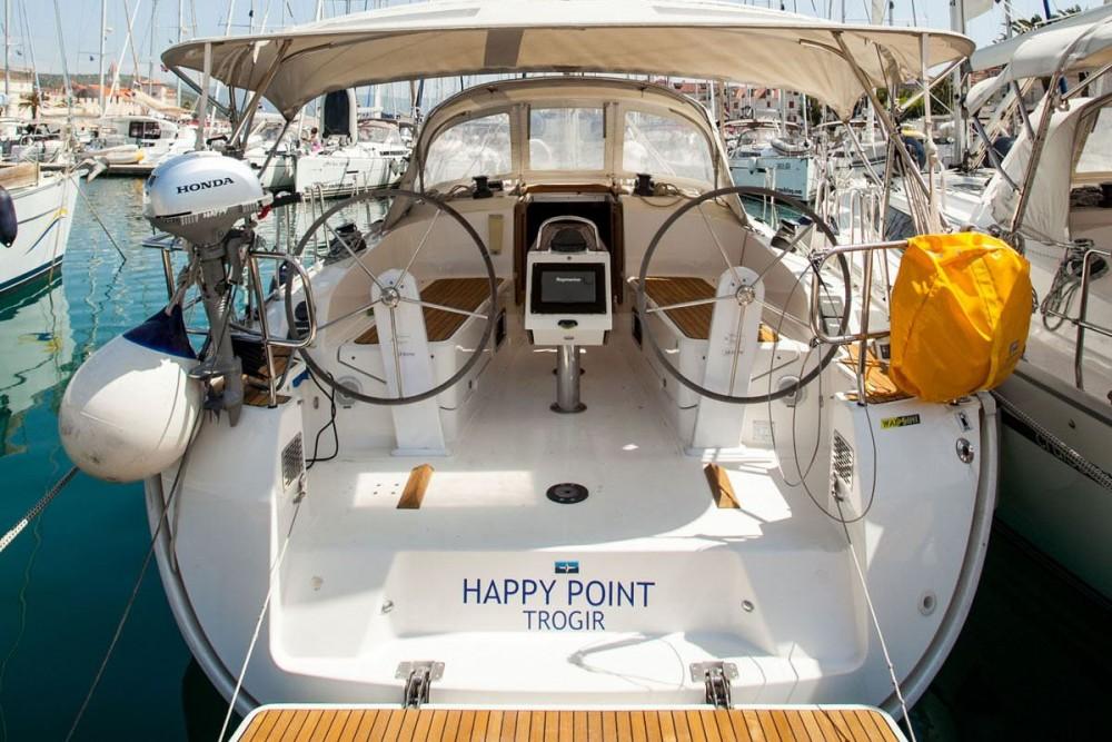 Bavaria Bavaria Cruiser 37 entre particuliers et professionnel à ACI Marina Dubrovnik