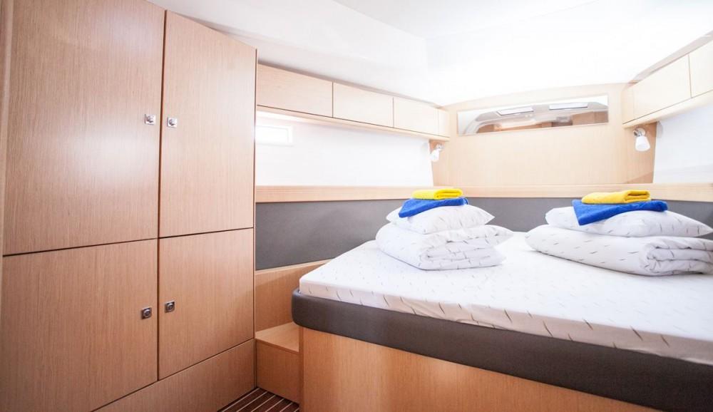 Location bateau Bavaria Bavaria Cruiser 46 OW. à Trogir sur Samboat