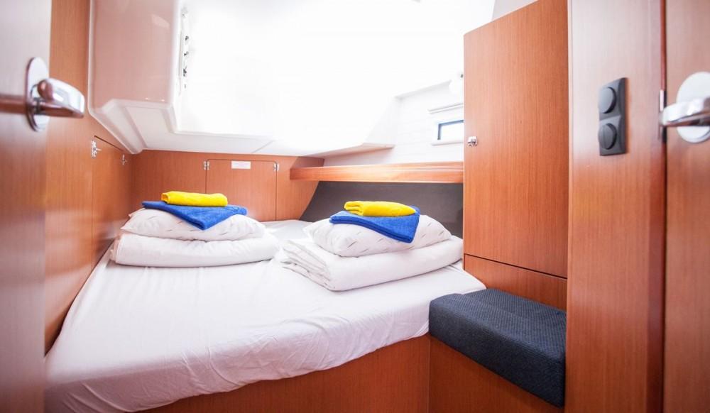 Louez un Bavaria Bavaria Cruiser 46 à Trogir