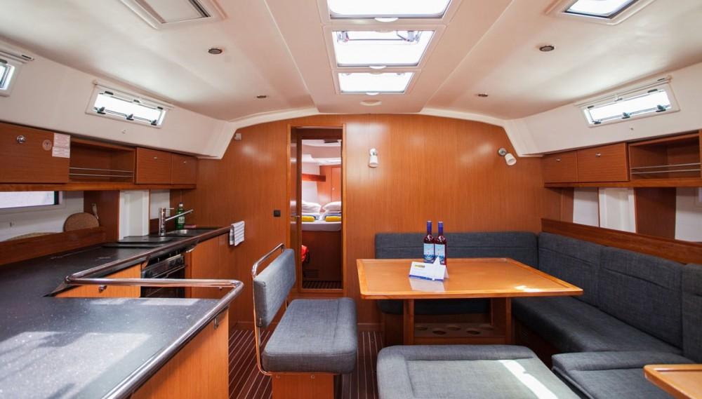 Location bateau ACI Marina Trogir pas cher Bavaria Cruiser 45